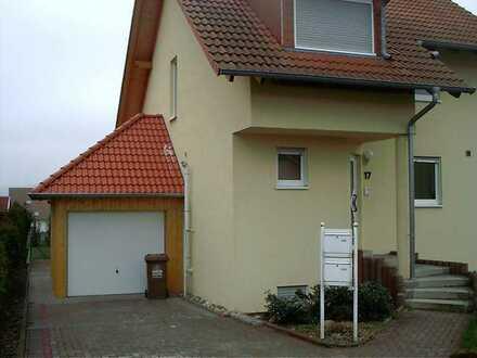 Gepflegte 4-Raum-Wohnung mit Balkon und Einbauküche in Hütschenhausen OT Spesbach