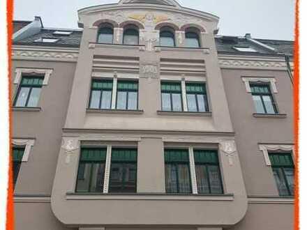 Großzügige 3-Zi. Wohnung mit BALKON und Garten in einem herrschaftlichen Wohnhaus zu vermieten