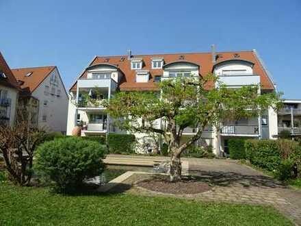 Wohntraum: Maisonette mit 4 Zimmer, 2 Balkone und TG-Stellplatz