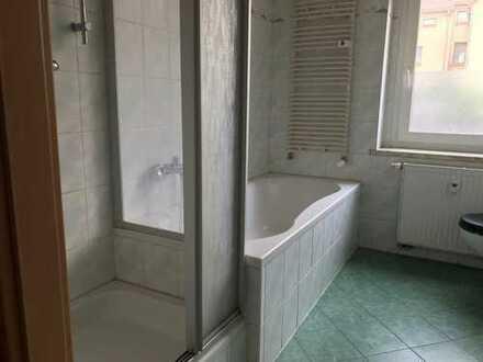 Meerane, 3,5-Zimmer Whg mit Wanne UND Dusche