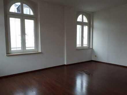 Wer mehr bezahlt, ist selber schuld: Top 3-Zimmer-Stilaltbau in ruhiger Anliegerstraße von Plauen!