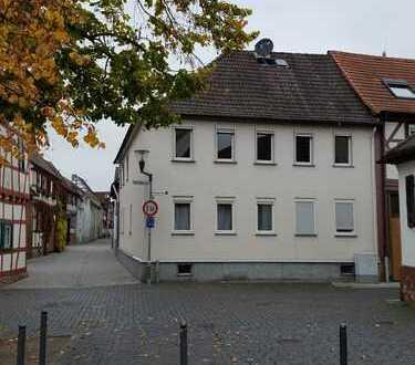 Schönes, geräumiges Haus mit sechs Zimmern in Darmstadt-Dieburg (Kreis), Babenhausen