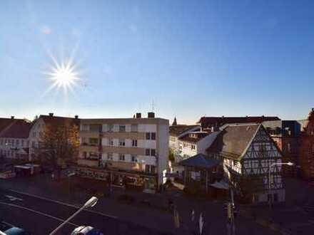 +++ Mitten im Zentrum: Dreizimmerwohnung mit Balkon in Heppenheim! +++