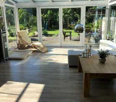 Exklusives Einfamilienhaus mit Wintergarten & Garten nahe Bremen