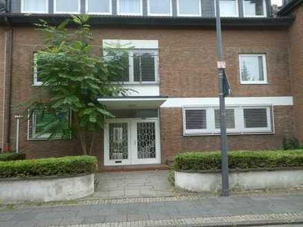 Großzügige 3-Zimmerwohnung mit Terrasse u. Garten (Haus im Haus)