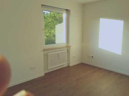 Erstbezug nach Sanierung: 2-Zimmer-Wohnung mit Balkon in Würzburg