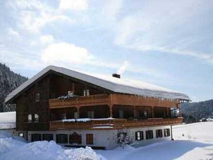 Geräumige Pension mit 15 - Zimmern in Aschau