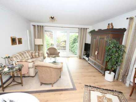 Einziehen und wohlfühlen - Moderne, sanierte Eigentumswohnung mit Garten und Carport