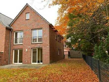 Sehr gepfl. Rh.-Eckhaus, 2 Bäder, Garten, Carport, wird kompl. renoviert Gütersloh Pavenstädt