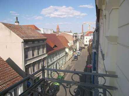Individuelle & interessante Wohnung im sanierten Altbau - in der Mühlenstraße im Stadtzentrum
