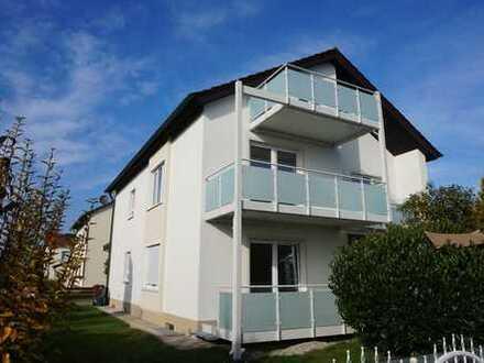 Großzügige Erdgeschoss - 3 ZKB mit Wintergarten, Balkon und Garten in Nordendorf ab sofort zur Miete