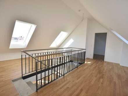 ++ Highlight: Stilvolle Maisonette-Wohnung mit Parkettboden, Fußbodenheizung und Dachterrasse ++