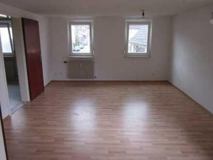 Modernisierte 3-Zimmer-Maisonette-Wohnung mit Balkon und Einbauküche in Auenwald- Oberbrüden