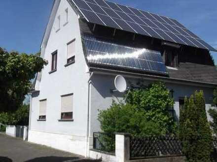 Großzügige Gründerzeitvilla (auf Wunsch mit weiterem Bauplatz) in zentraler Lage von Kahl