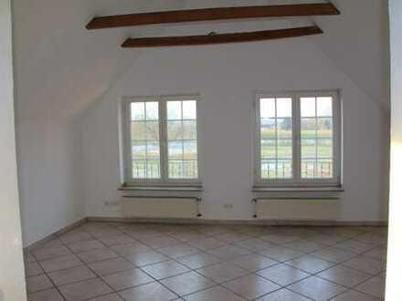 Stilvolle, sanierte 2-Zimmer-DG-Wohnung in Rosendahl - Darfeld