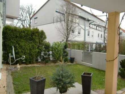 ** Erdgeschosswohnung mit Garten und Terrasse **