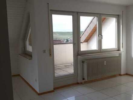 Befristet bis 31.05.22 - 3 Zimmer, 2 Balkone, 2 Bäder, Dachterrasse Pr