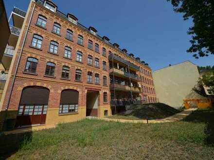 Traumhafte Wohnung mit Kamin in der ehemaligen Kunstdruckanstalt Dr. Trenkler - Co