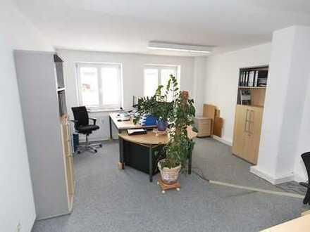 """Top """"Preis-Leistung""""!! Attraktive Büroräume mit Parkplätzen in guter Lage in Traunstein!"""