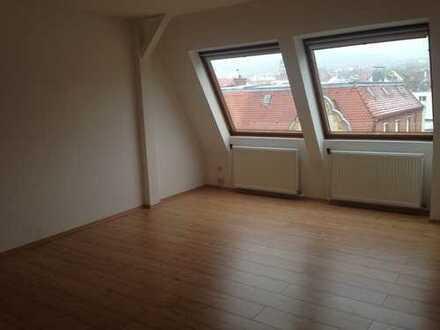Helle Dachgeschosswohnung mit Blick über Stuttgart West