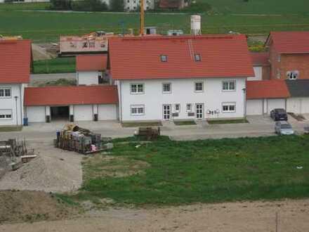 Exklusive 5-Zimmer-Wohnung mit Garten und Garage in ruhiger Neubau-Siedlung