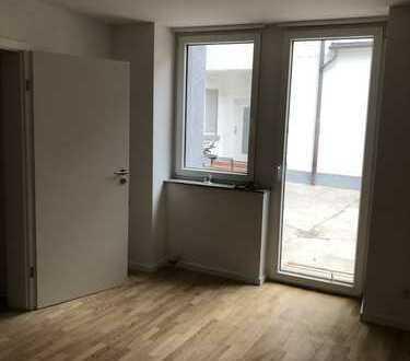 Erstbezug nach Sanierung - schöne 2 Zimmer Wohnung mit Terrasse
