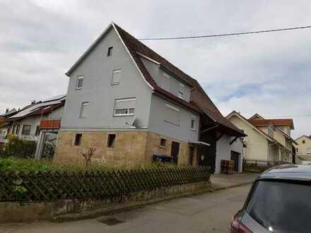Schönes Bauernhaus mit angrenzender Scheune in Reutlingen (Kreis), Walddorfhäslach