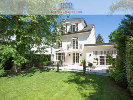 Charmante Villa mit idyllischem Garten. Beste Lage Herzogpark für höchste Ansprüche.