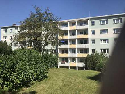 4-Raum-Wohnung, 1.OG, Balkon, ruhige Lage in grüner Umgebung