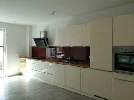 Lieblingsstück- Exklusive, neuwertige 4-Zimmer-Wohnung mit Balkon und EBK in Nagold