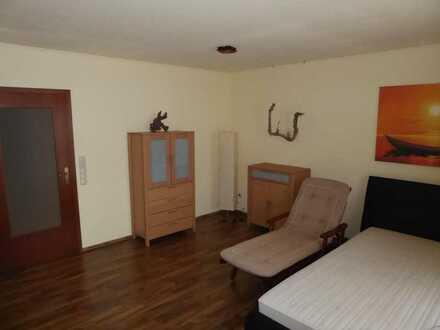 schönes WG Zimmer in schöner Wohnung mit ruhiger Lage, gute Autobahnanbindung, gute Busanbindung