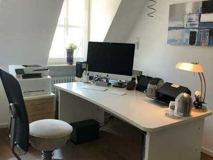 Modernisierte, möblierte 3-Zimmer-Wohnung mit Büro im Herzen Waldkirchs, Einbauküche, Balkon, TG
