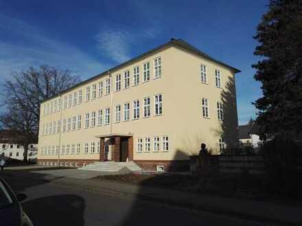 Schöne helle vier Zimmer Wohnungen in Mittelsachsen (Kreis), Flöha