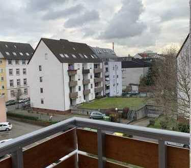 Top-sanierte 2ZKB Wohnung in ruhiger OF-Zentrumslage mit neuer Einbauküche