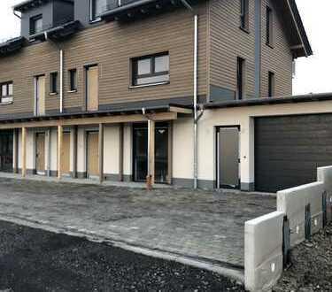 Attraktive Doppelhaushälfte mit Garten und Balkon Ortsteil/Büdingen