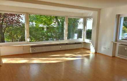 Energetisch hervorragend sanierte 4-Zimmer Wohnung auch f. WG (001)