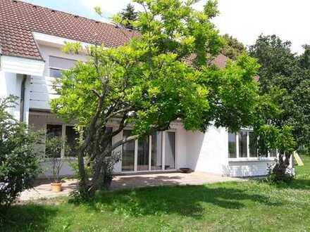 Haus im Grünen mit Einliegerwohnung