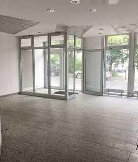 Große Bürofläche zentral in Altglienicke (ehem. Bankfiliale)