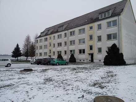 Erschwingliche und vollständig renovierte 3-Zimmer-Wohnung in Narsdorf