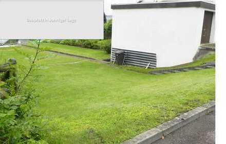 Kurzfristig bauen: Baugrundstück mit bereits bestehender Garage!
