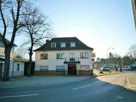 ***Wegberg-Arsbeck, Ortsmitte! Traditionsgaststätte - Metzgerei - Wohnungen - Innenhof!***