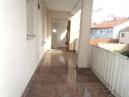 2 2 9. 0 0 0,- für 2 Zimmer Wohnung mit 5 7 qm in zentraler Lage mit KfZ Freiplatz