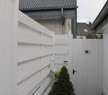 Freistehendes Einfamilienhaus mit sechs Zimmern in Köln, Westhoven