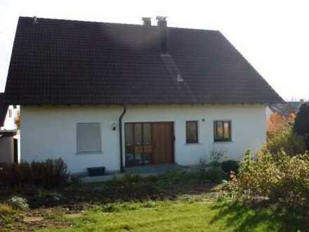 Traumwohnung / Haus 4,5 Zimmer, ebener Zugang zu großem Garten