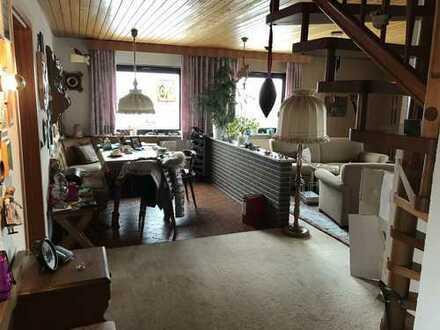 schöne 3,5 Zimmer Maisonette Wohnung, 95 m² + ca. 20 m² im ausgebauten Dachboden in Stuttgart-Rohr