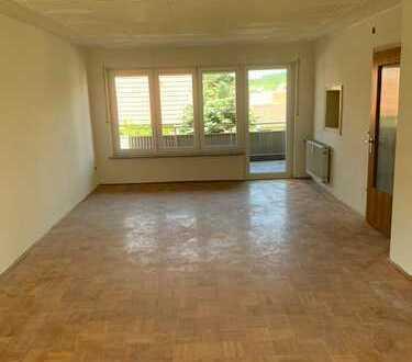 Erstbezug nach Sanierung mit Balkon und Terasse: Schöne 4-Zimmer-Wohnung in Ochsenfurt