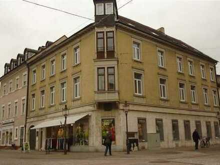 Großes Büro, 8-9 Räume in Rastatt direkt am Marktplatz, 2.OG, Parkett - Kombination Wohnen möglich