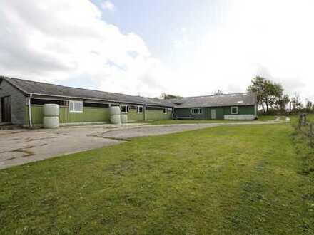 Gepflegter Resthof mit 9,9 ha Ackerland