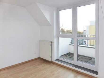 Helle 2-Raum Maisonette-Wohnung mit Dachterrasse und Einbauküche in Heidenähe