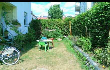 schöne gepflegte 3-Zimmer-Erdgeschosswohnung mit Balkon/Garten in Nippes, Köln